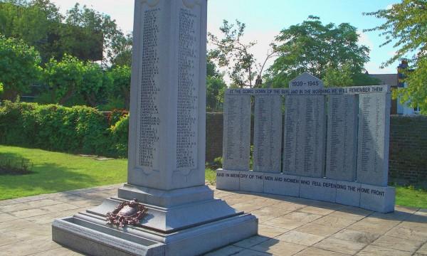 WAR MEMORIAL – Lyons